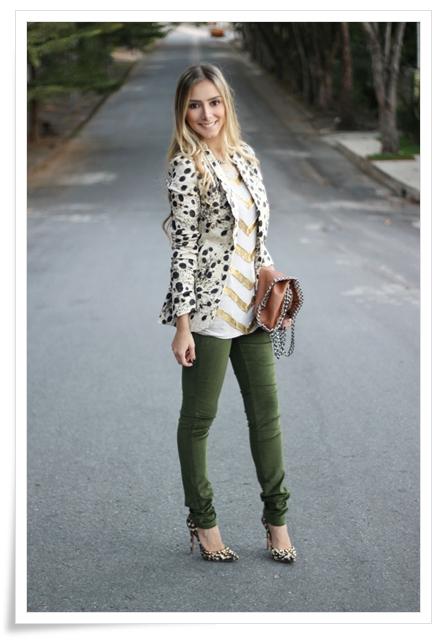 look-da-onca-blazer-oncinha-la-vi-leopard-blazer-la-vi-blusa-bordada-vitrilhos-dourados-la-vi-bolsa-stella-mcartney-inspired-calca-verde-militar-la-vi-scarpin-schutz